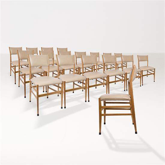 gio ponti 1891 1979 mod le 646 3 une s rie de 18 chaises. Black Bedroom Furniture Sets. Home Design Ideas