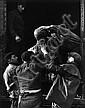 Pierre JAHAN (1909-2003) La mort des sculptures, Paris, 1942 Épreuve gélatino-argentique d'époque sur papier mat. Cachet du photogra...