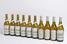 Ensemble de 10 bouteilles 3 bouteilles VIN JAUNE D'ARBOIS, Fruitière Vinicole 1990 (1 coul) 4 bouteilles VIN JAUNE D'ARBOIS, Fruitière Vinicole 1986 1 bouteille VIN JAUNE D'ARBOIS, Fruitière Vinicole 1992 2 bouteilles VIN JAUNE D'ARBOIS, Fruitière