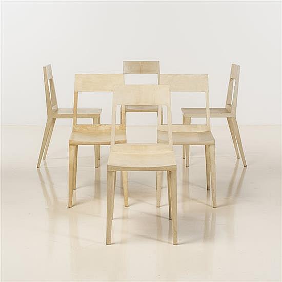 Ria (née en 1960) & Youri (né en 1961) AugoustiSuite de six chaises