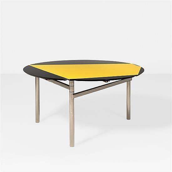 Getulio Alviani (né en 1939)Table à plateau circulaire pliable