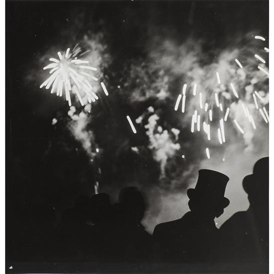 Brassaï (1899-1984)La nuit de Longchamp, juillet 1937