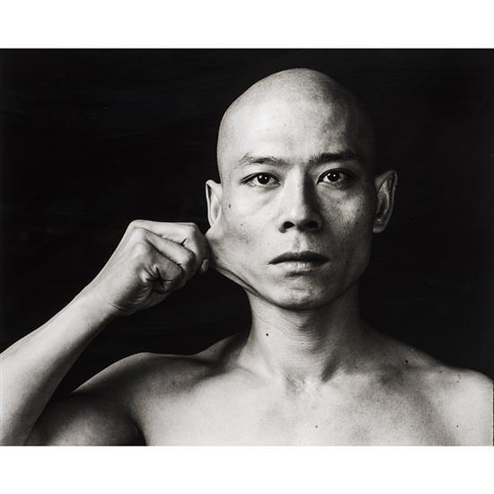 f Zhang Huan (1965)Cheek, Eyes, Noose, de la série Skin, 1998