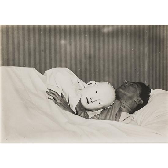 Bérénice Abbott (1898-1991)Jean Cocteau, le chercheur dort, vers 1940