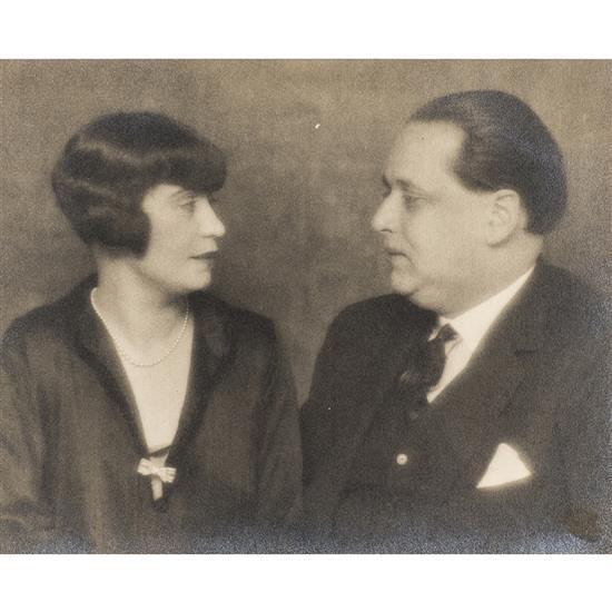 Man Ray (1890-1976)Honorine Deschrijver et Paul Gustave Van Hecke