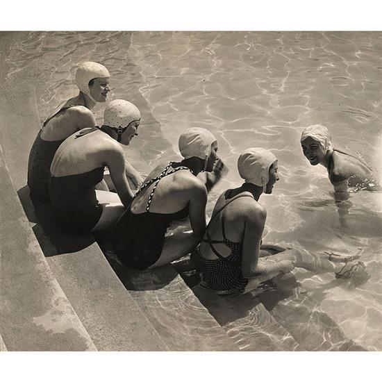 Kallman Szollosy (Budapest Hongrois 1887 - 1976)Cinq jeunes femmes au bain