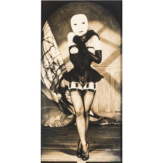 Gilles Berquet (1956) Sans titre, le masque, 1993 Épreuve argentique virée sur papier chamois, Signée et datée au verso 30,3...