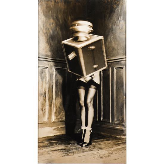 Gilles Berquet (1956) Âme en malle, 1991 Épreuve argentique virée  Signée et datée au verso 23,8 × 14,2 cm