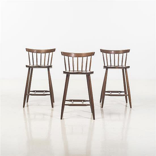 George Nakashima (1905-1990) Suite de trois chaises de bar
