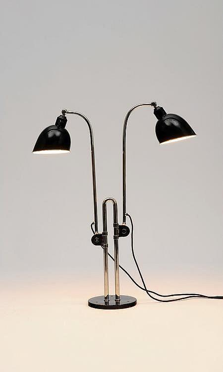 CHRISTIAN DELL (1893-1974) Lampe de bureau ajustable Métal chromé et reflecteurs en métal laqué noir. Edition Belmag. Allemagne, v...