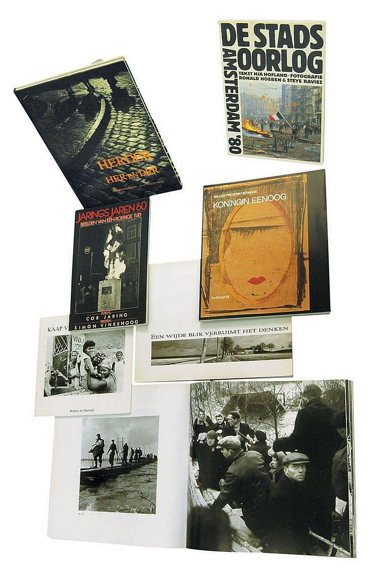 DE HERDER, Dirk, (1914), Dolf KRUGER (1923), W.F. HERMANS, (1921-1995), etc. 13 livres de photos néerlandais dont 3 livres de Dirk...