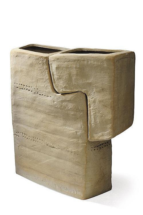 PIERRE CULOT (1938-2011) Grande sculpture Terre cuite. Vers 1970. H_92 cm L_57 cm P_22 cm