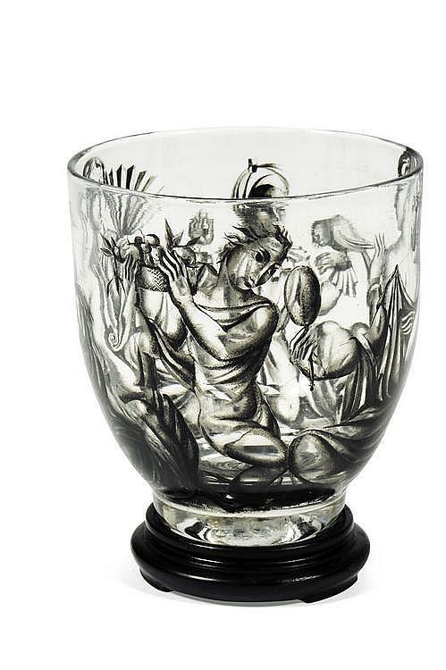 ENA ROTTENBERG (1893-1952) Vase Verre avec motifs de personnages. Édition Lobmeyer. H_13,5 cm