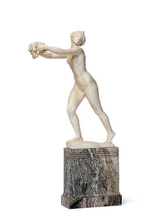 PHILIPPE WOLFERS (1858-1929) Sculpture « Offrande » Ivoire et marbre. 1913. Signée. Sculpture réalisée en 6 exemplaires en ivoire ...