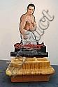 JUSTIN LIEBERMAN (NÉ EN 1977) Cultural Exchange: The American Friend, 2006 Sculpture en résine avec photographie. Édition 1/4.