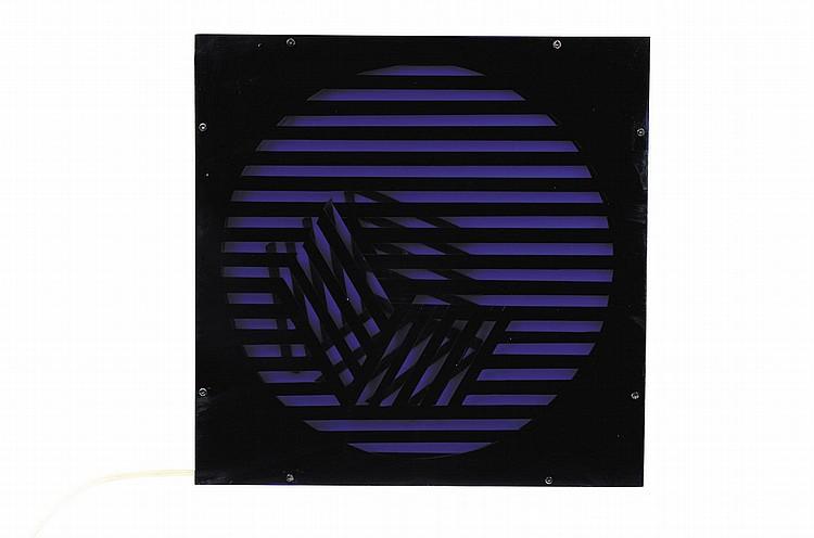 GRAZIA VARISCO (NEE EN 1937) Schema luminoso variable R. Cubo2 C, 1962/68 Plaxiglas, néon, bois peint et système electrique. Signé...