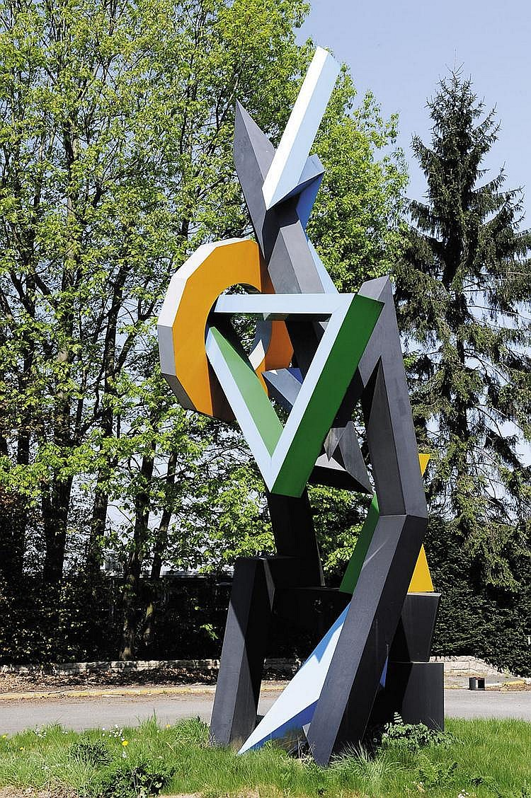 JEAN-CLAUDE FARHI (NE EN 1940) Sans titre, circa 1980 Sculpture monumentale en plexiglas et acier. Pièce unique. Commande spéciale...