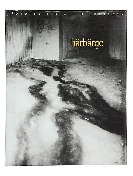 ENGSTRÖM J.H. (1969) HÇrbÇrge Premier livre de ce photographe suédois. (Suède :) Bokförlaget DN, 1997. In-4° (27,5 x 22 cm) 55 pho...