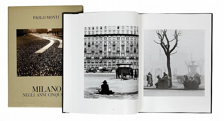 MONTI PAOLO (1908-1982) Milano negli anni cinquanta Milano : Instituto di Fotografia Paolo Monti, 1986. Grand In-4° (32,5 x 24,5 c...