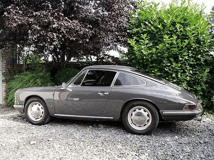 Porsche 911 2.0 litres 1966 Châssis : n° 306702 •