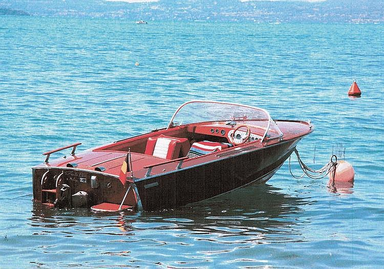 Poncelet runabout 1970 Coque : n° B 1748 •