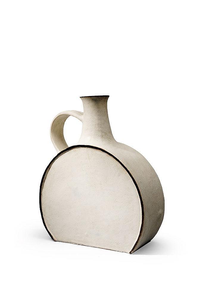 BRUNO GAMBONE (NÉ EN 1936) - Pièce unique Importante céramique en Grès blanc et bord noir Des bulles de cuisson visibles au dos. 1...