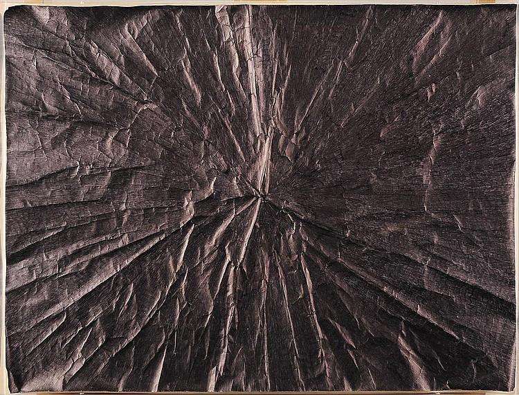 EDITH DEKYNDT (NÉ EN 1960) 008 Tournai, 2010 Encre noire sur papier dans une boite de plexiglas. Signé au dos. H_44 cm L_58 cm...