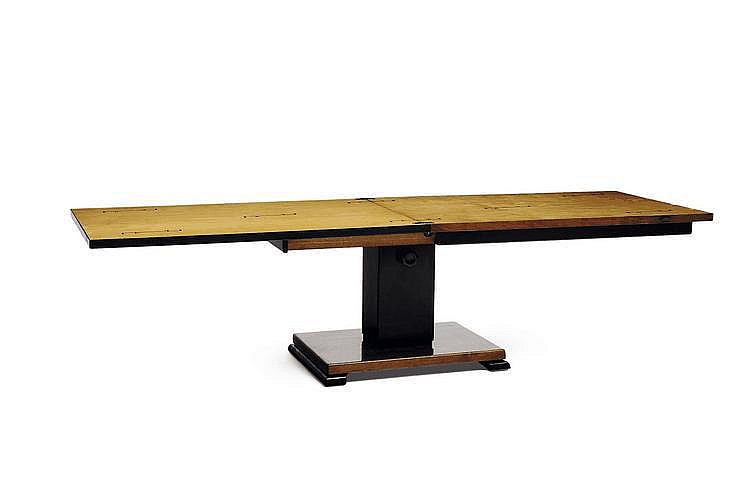 OTTO WRETLING (1876-?) Table / console À plateau