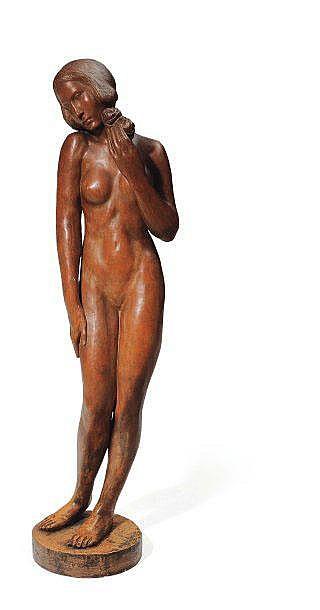MAURICE DE KORTE (1889-1971) Femme à la fleur Grand plâtre à patine brun clair, signé et daté 1928 sur la terrasse. H_132 cm