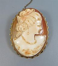 A 9ct Gold Framed Shell Cameo Brooch decorated with bust of female, 13.2g g
