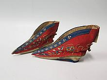 A Tiny Pair of Chinese Ladies Silk and Embroidered Shoes, 11 cm