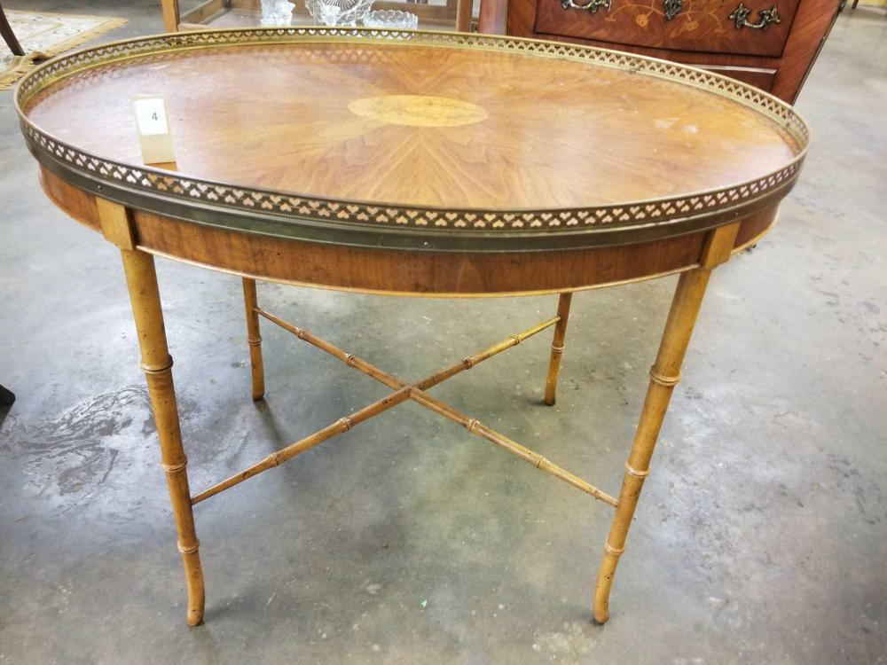 BAKER FURNITURE CO. WALNUT FRENCH STYLE OVAL COFFEE TABLE W/BRASS GALLEY RAIL TOP