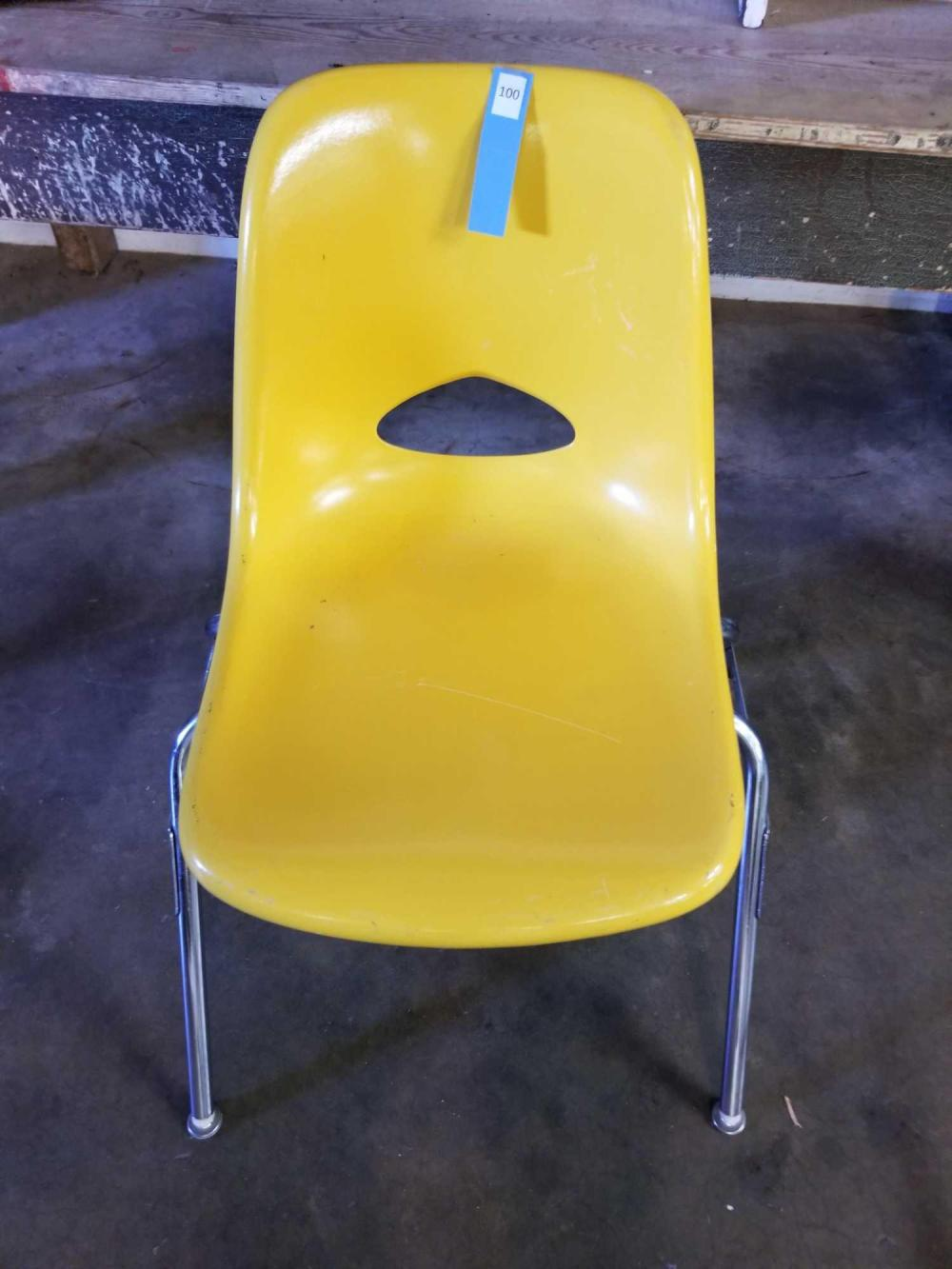 CHROME & MOLDED PLASTIC MID-CENTURY STYLE CHILD'S CHAIR