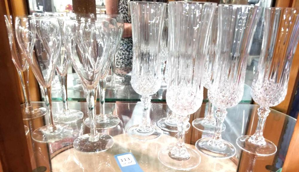 LEAD CRYSTAL & TULIP CHAMPAGNE FLUTES - 12 ITEMS