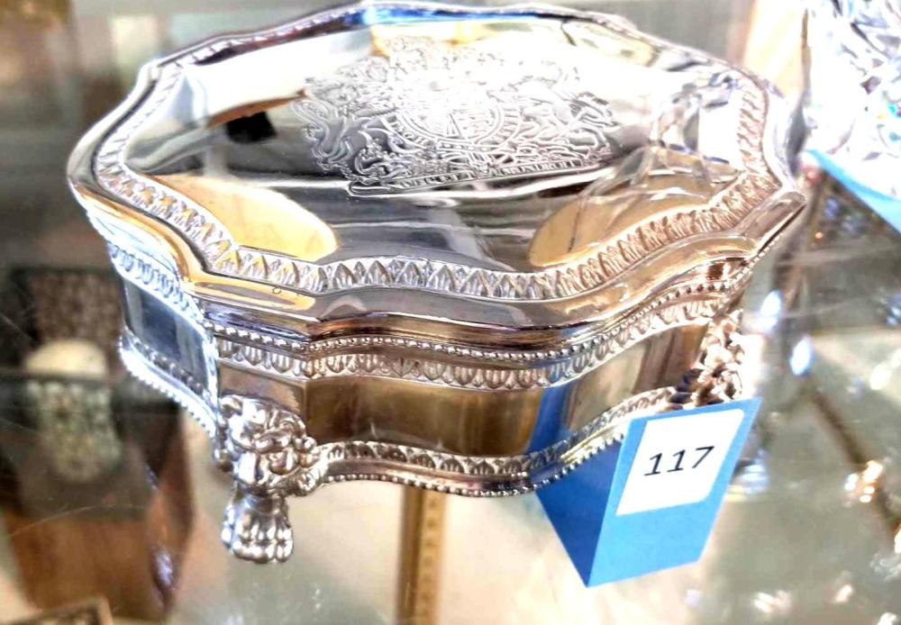 INTERNATIONAL SILVER CO. FOOTED JEWELRY BOX
