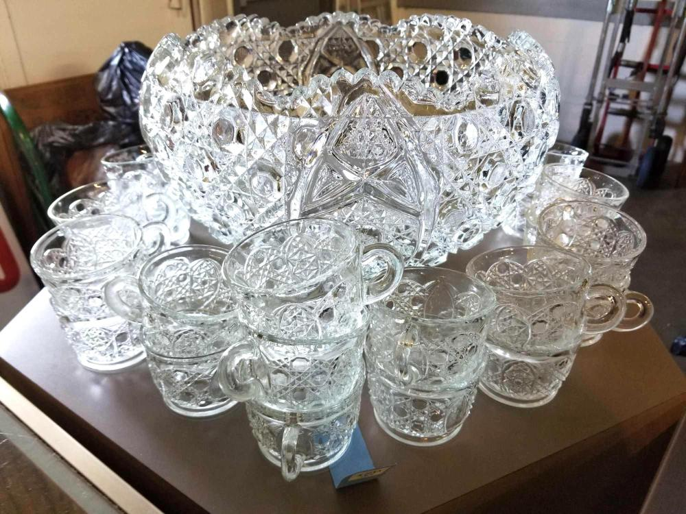 VINTAGE CRYSTAL PUNCH BOWL & 21 PUNCH CUPS