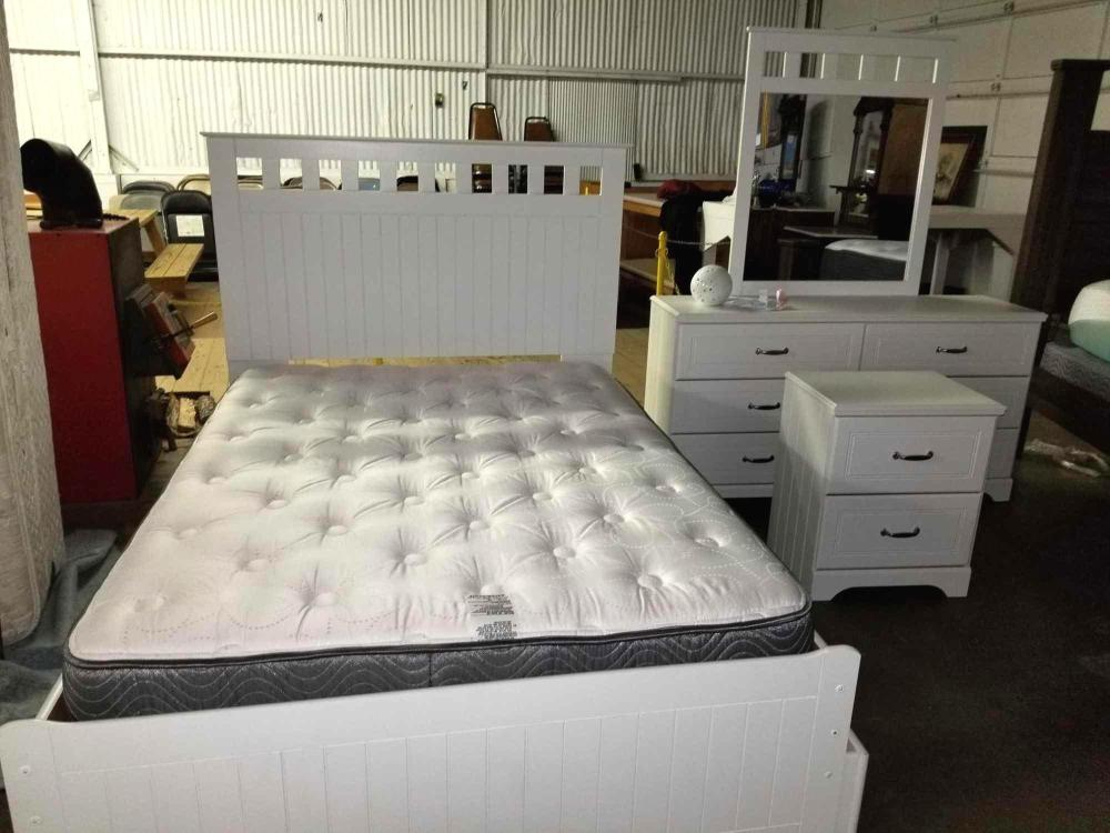 ASHLEY FURNITURE CO. FULL SIZE BED OVER TWIN TRUNDLE BED, DRESSER W/ MIRROR & NIGHT STAND