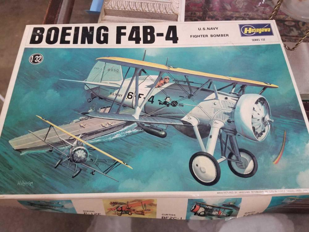 HASEGAWA BOEING F4B-4 U.S. NAVY FIGHTER BOMBER MODEL IN THE BOX