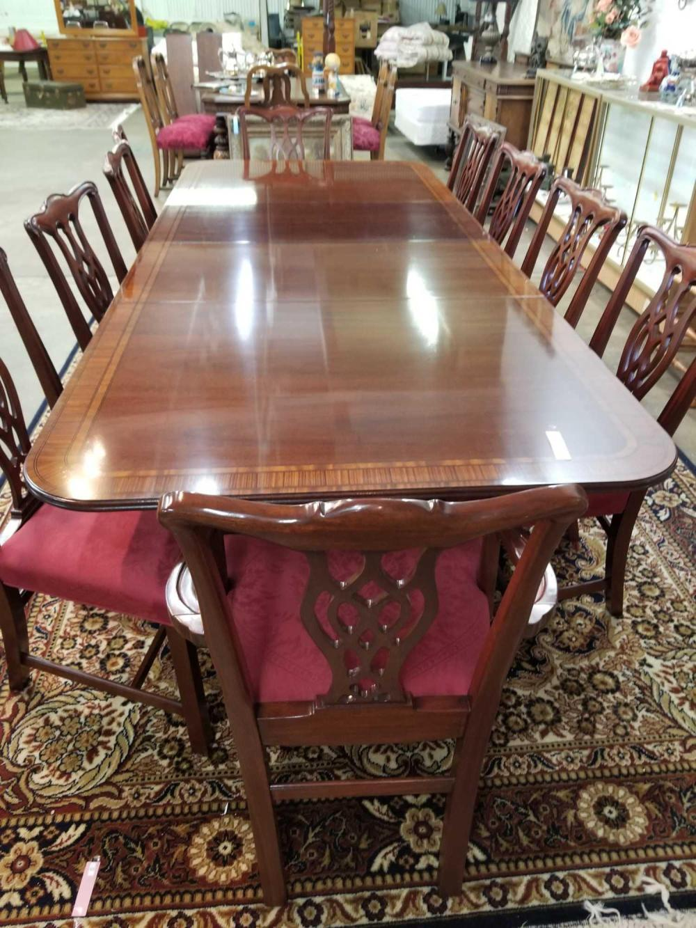 HICKORY CHAIR CO. CHIPPENDALE MAHOGANY DINING TABLE & 10 CHAIRS