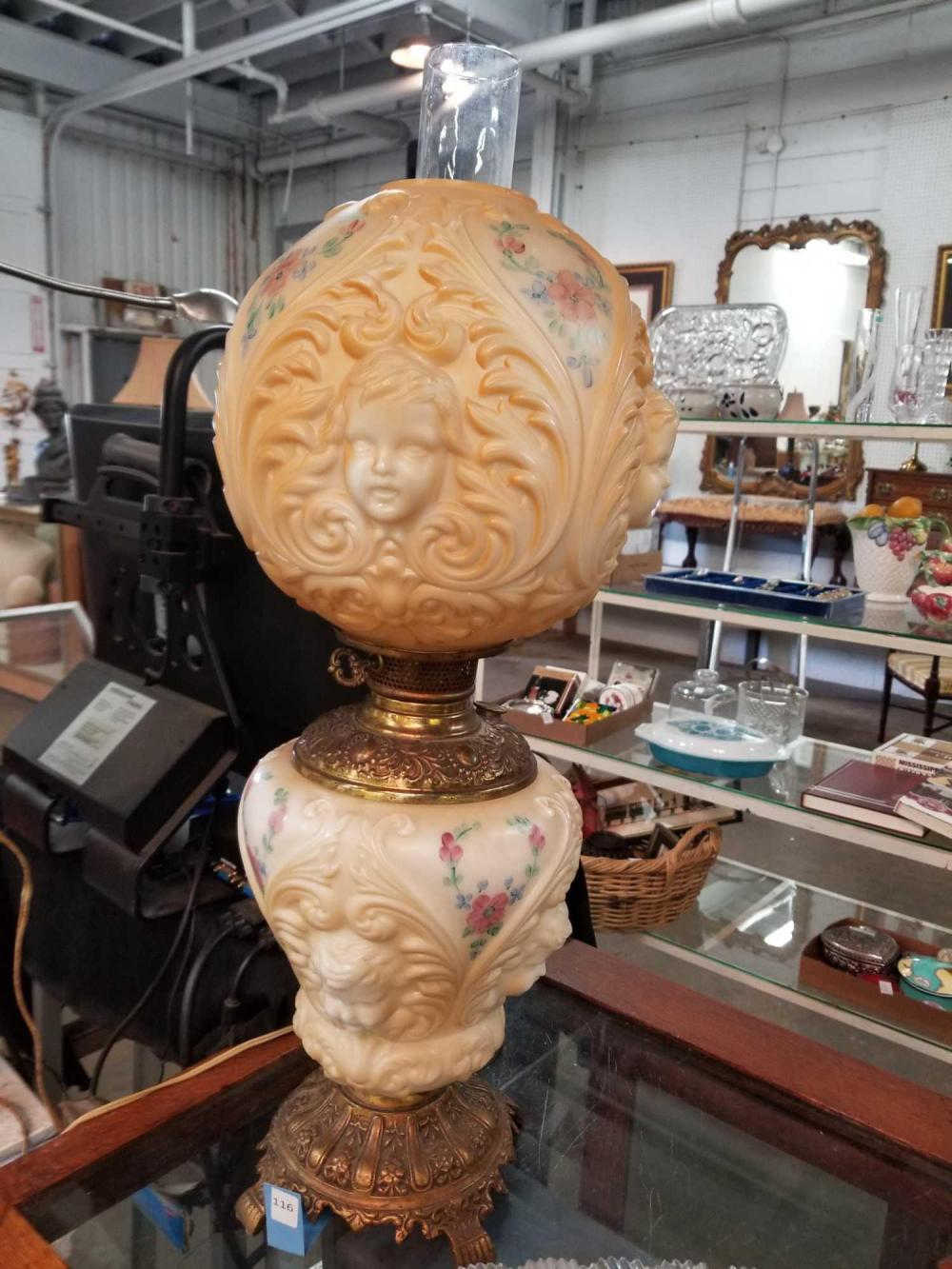 GONE WITH THE WIND STYLE TABLE LAMP W/EMBOSSED CHERUB FACES