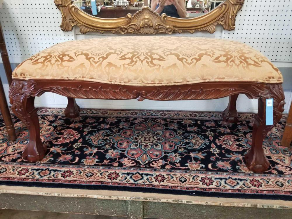 END OF THE BED QUEEN ANNE STYLE BENCH