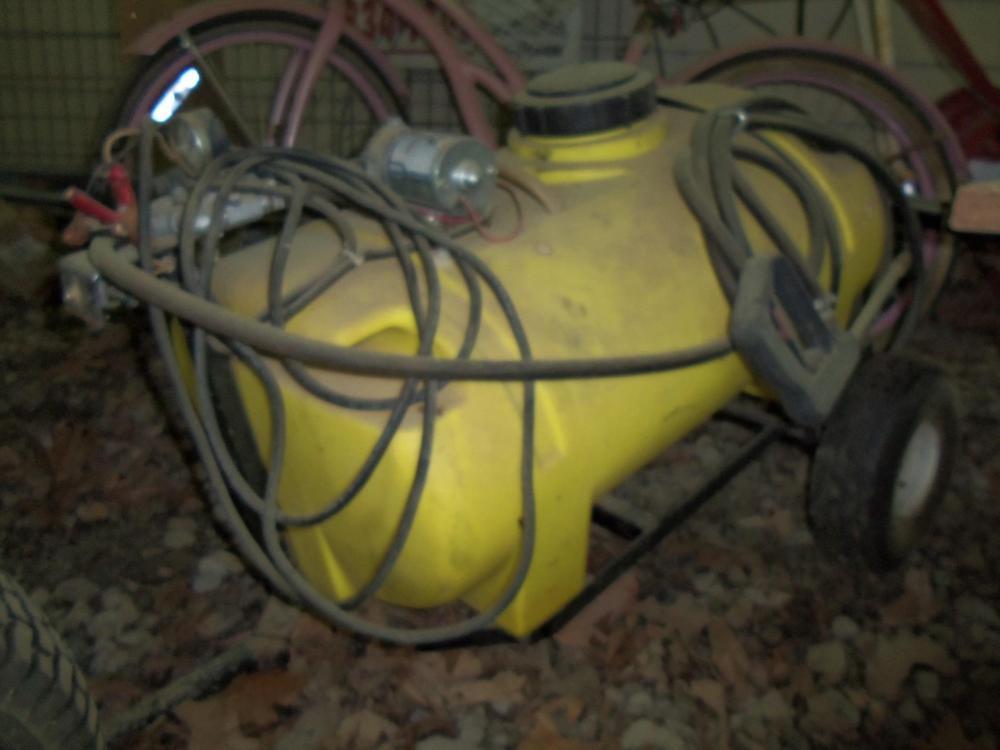 Trailer Style 20+ Gallon Lawn Sprayer w/ 12V Pump