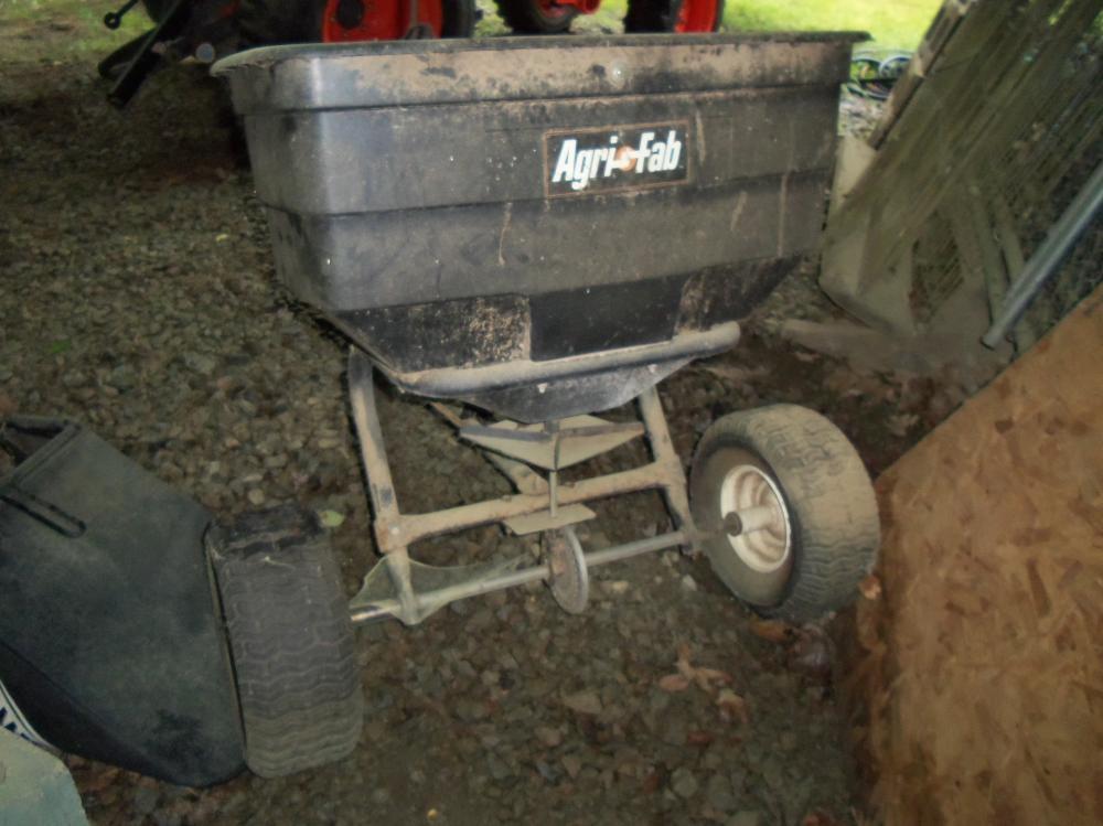 Agri-Fab 85 lb. Towable spreader