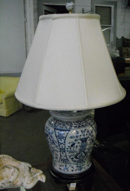 Blue White Ginger Jar Lamp