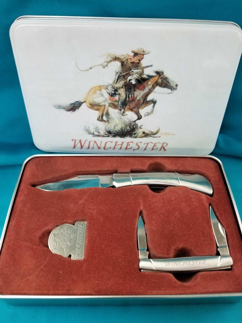 WINCHESTER 2 KNIFE SET IN COLLECTOR TIN