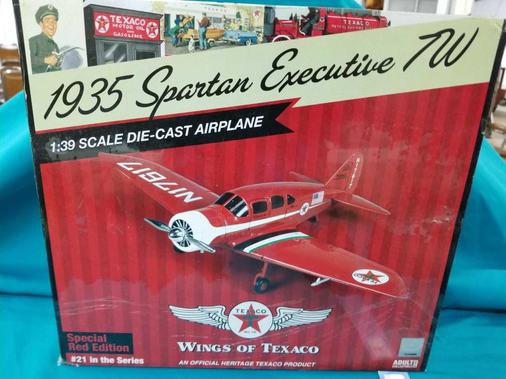 """WINGS OF TEXACO """"1935 SPARTAN EXECUTIVE TW"""" DIE CAST AIRPLANE IN THE BOX"""