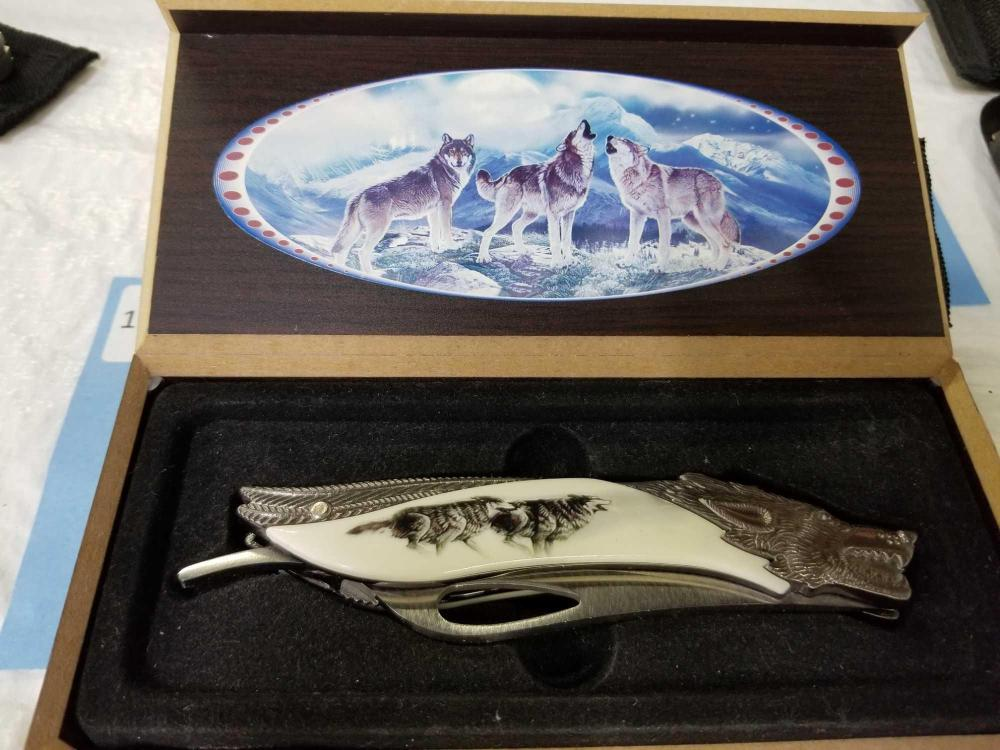 WOLF HEAD THEMED FANTASY LOCK BLADE KNIFE IN FITTED BOX