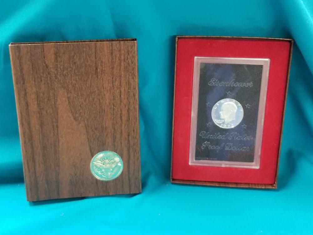 1972 EISENHOWER U.S. PROOF DOLLAR IN A PLASTIC SLAB & PRESENTATION BOX
