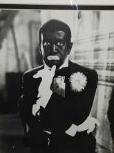 Lot 9: AL JOLSON IN BLACKFACE PHOTO W/ SIGNATURE CARD FRAMED