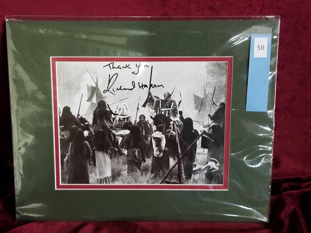 RICHARD HARRIS SIGNED BLACK & WHITE MOVIE STILL